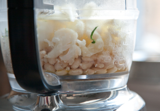 steamed_cauliflower_white_beans