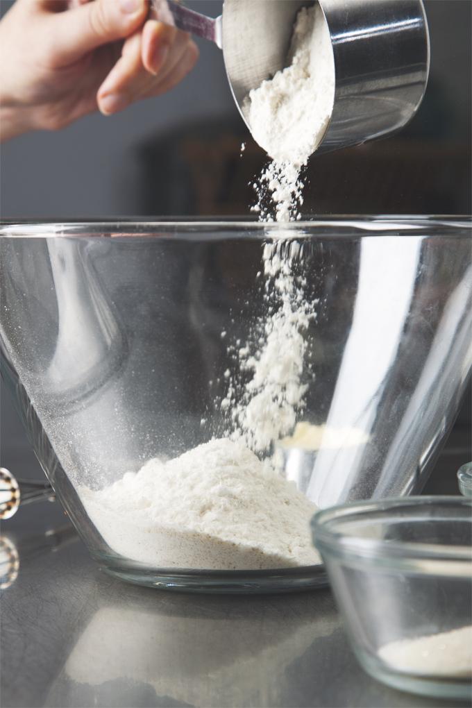 How to Make Vegan Pie Crust That Doesn't Suck | picklesnhoney.com