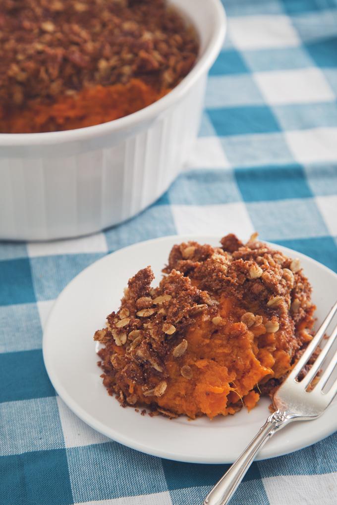 Make-Ahead Sweet Potato Casserole with Cinnamon Pecan Crumble (Vegan) | picklesnhoney.com