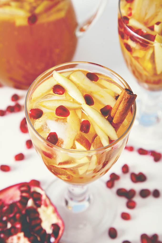 Sparkling Pomegranate Apple Cider Sangria | picklesnhoney.com