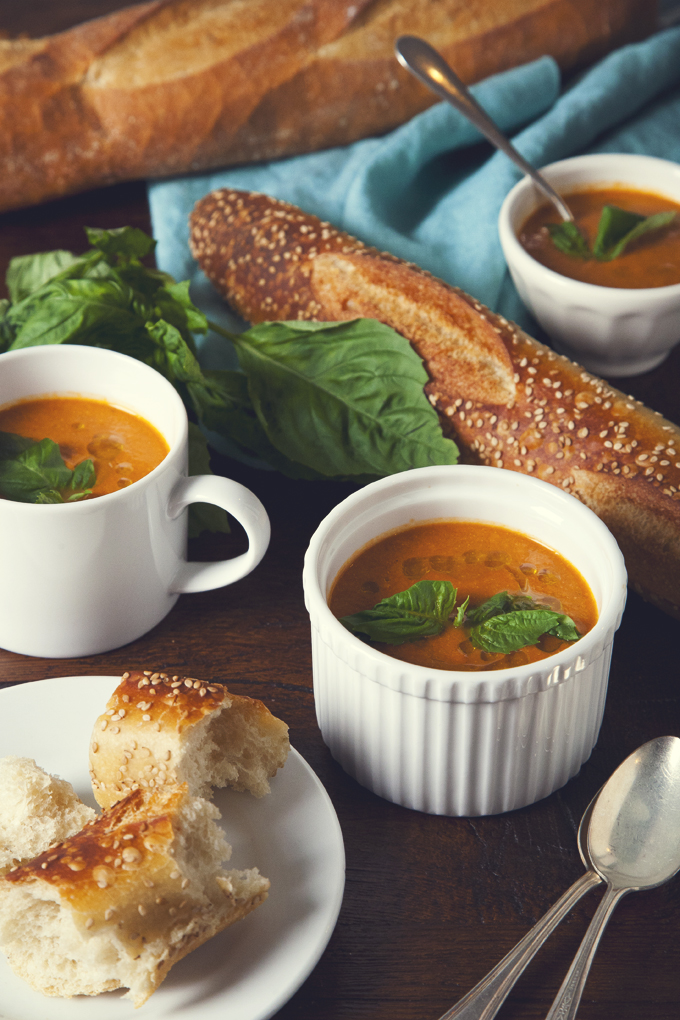 One Pot Creamy Tomato Soup (Vegan & Gluten-Free) | picklesnhoney.com