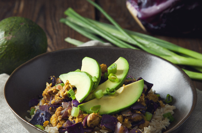 Chickpea Scramble and Red Cabbage Brown Rice Bowls | picklesnhoney.com