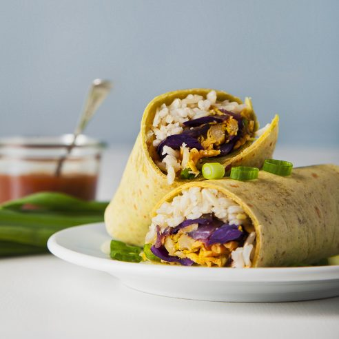 EASY vegan freezer burritos that are better tasting and better for you! Make them in advance for convenient breakfasts, lunches or dinners during the week. | picklesnhoney.com #vegan #freezer #burrito #recipe #lunch #dinner #breakfast