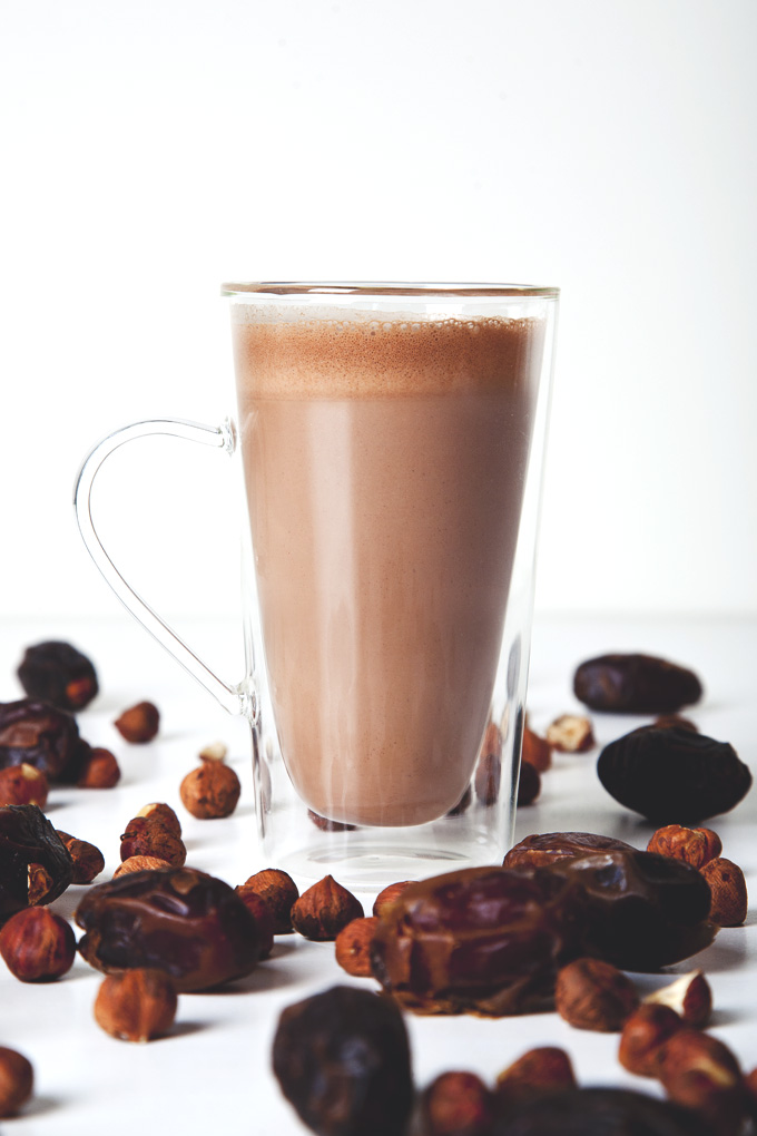 Vegan Nutella Hot Chocolate (Or Vegan Nutella Chocolate Milk!) | picklesnhoney.com