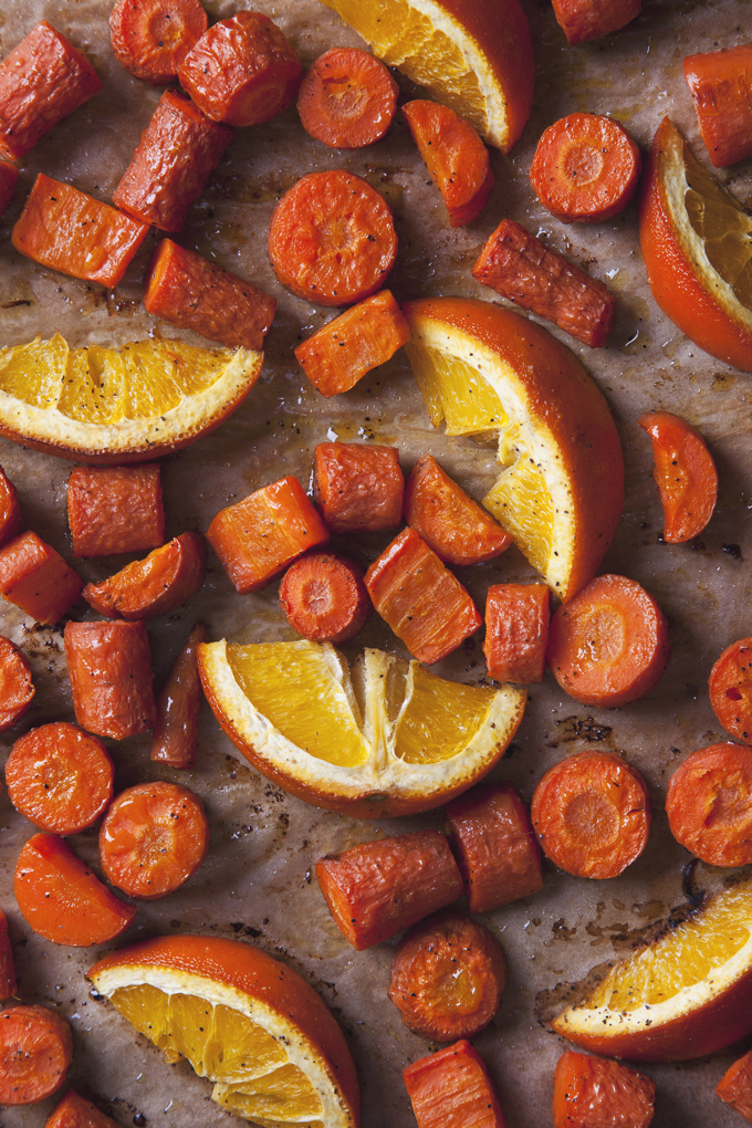 Citrus Kale Salad with Easy Tahini Dressing (Vegan & Gluten-Free)| picklesnhoney.com
