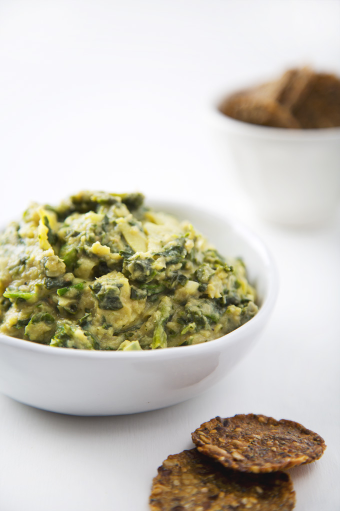 10-Minute Vegan Spinach Artichoke Dip | picklesnhoney.com