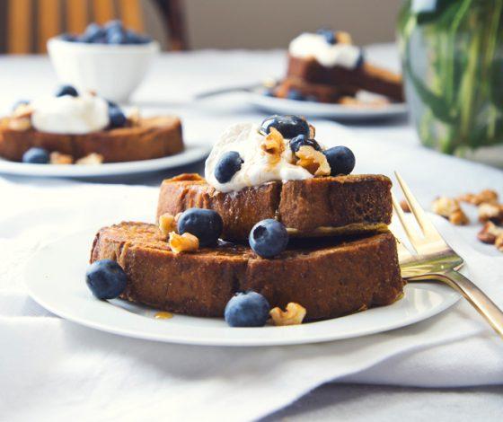 Vegan & GF Banana Bread French Toast | picklesnhoney.com | #vegan #glutenfree