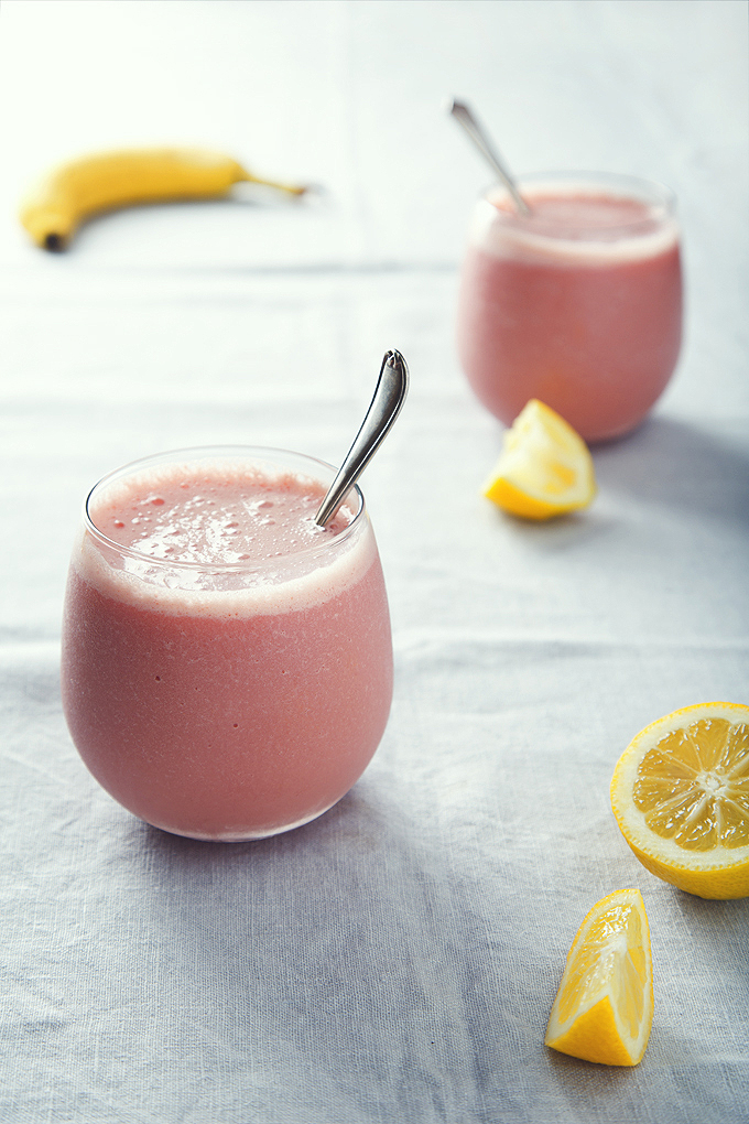 4-Ingredient Watermelon Milkshakes | picklesnhoney.com | #vegan #glutenfree