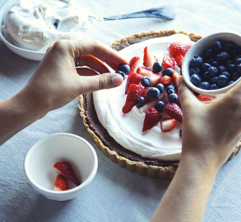 No-Bake Dark Chocolate Chickpea Pie with Pretzel Crust   picklesnhoney.com #vegan #glutenfree