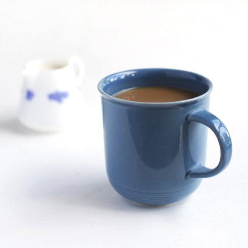 Easiest Vegan Coffee Creamer Recipe (only 4 ingredients!) | picklesnhoney.com #vegan #coffee #creamer #recipe #drink #beverage
