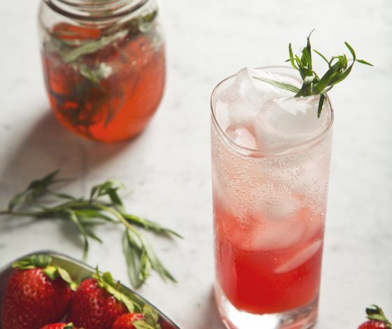 Strawberry Tarragon Shrub Sodas | picklesnhoney.com #recipe #soda #cocktail #drink