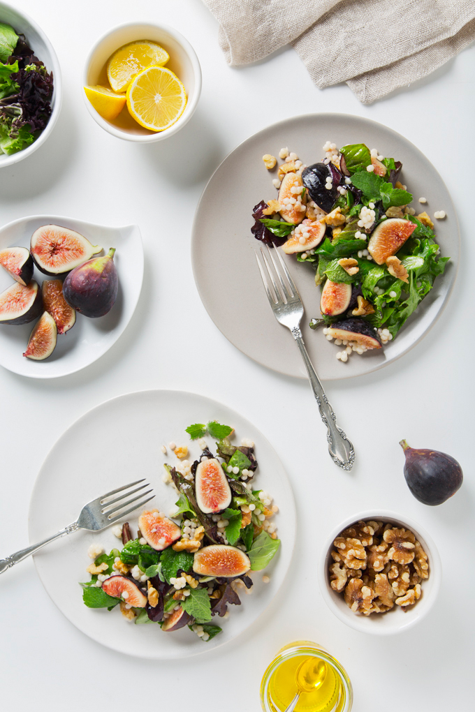 Fig Salad with Toasted Walnuts & Lemon Maple Vinaigrette | picklesnhoney.com @CaliforniaWalnuts #walnuts #CG #ad