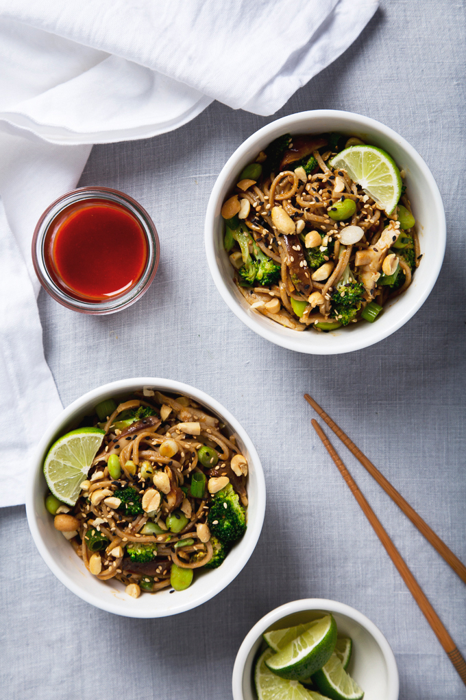 Spicy Shiitake Soba Noodles with Peanut Sauce | picklesnhoney.com #vegan #noodles #recipe #sponsored