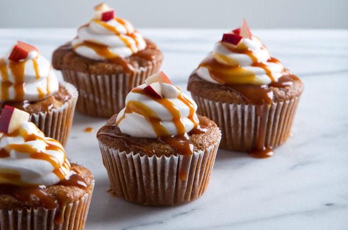 Vegan Caramel Apple Cupcakes with Aquafaba Marshmallow Frosting   picklesnhoney.com #recipe #caramel #apple #cupcakes #vegan