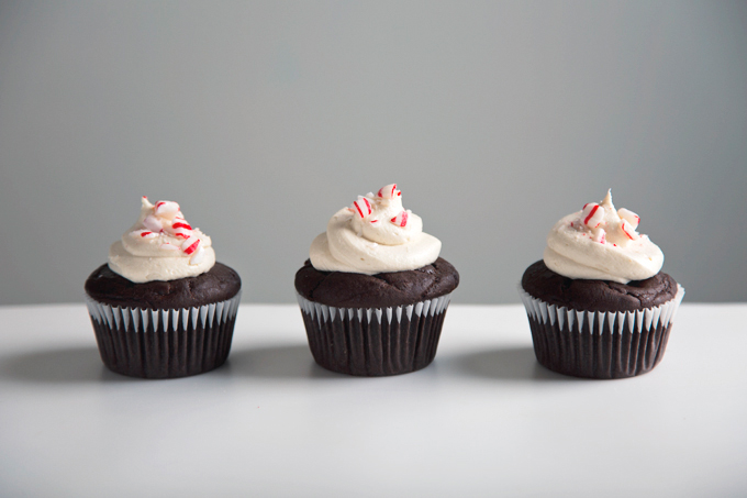Vegan Triple Chocolate Cupcakes with Peppermint Frosting | picklesnhoney.com #vegan #chocolate #cupcakes #peppermint #buttercream