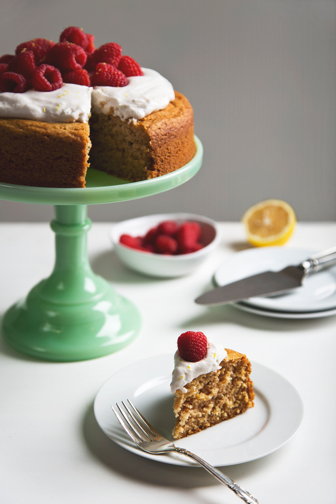 Simple Lemon Yogurt Cake | picklesnhoney.com #vegan #cake #lemon #dessert