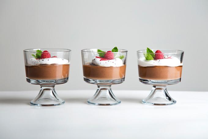 Aquafaba Chocolate Mousse | picklesnhoney.com #aquafaba #chocolate #dessert #recipe