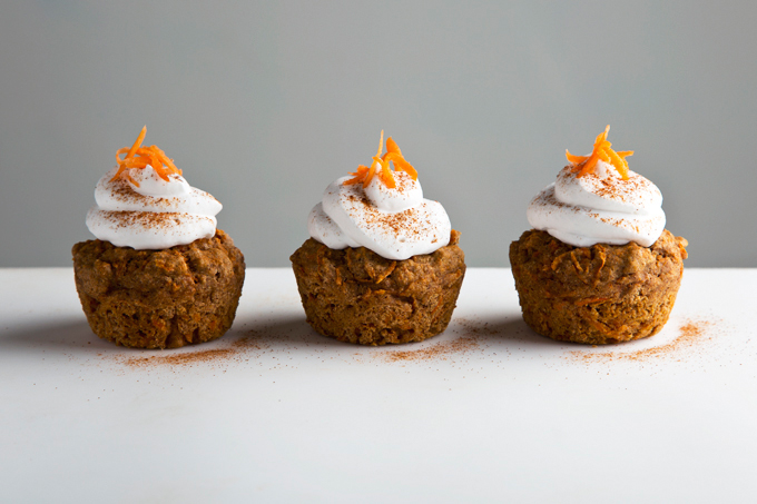 Hippie Vegan Carrot Muffins | picklesnhoney.com #vegan #wholegrain #carrot #muffins #recipe