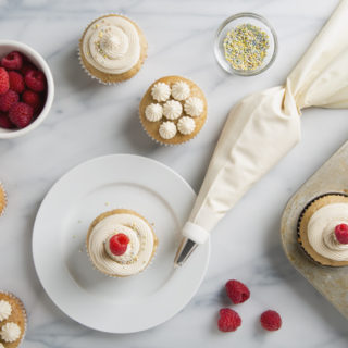 How to Make Vegan Cream Cheese Frosting