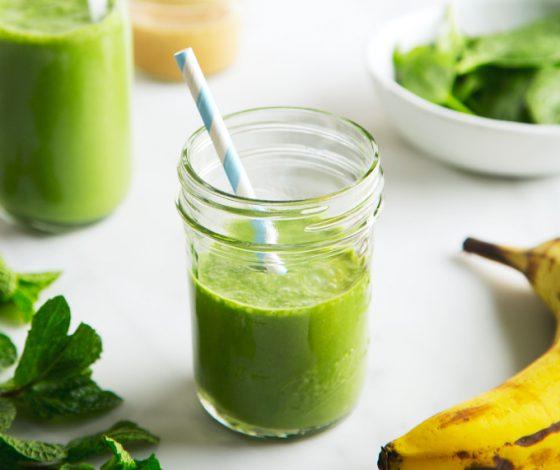 Vegan Shamrock Shake Smoothie   picklesnhoney.com #vegan #shamrock #shake #smoothie #milkshake #recipe