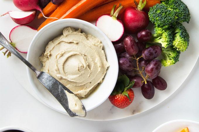 How to Make Vegan Cashew Cheese with 6 Ingredients | picklesnhoney.com #vegan #cashew #cheese #recipe