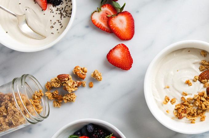 How to Make Cashew Yogurt | picklesnhoney.com #vegan #cashew #yogurt #recipe