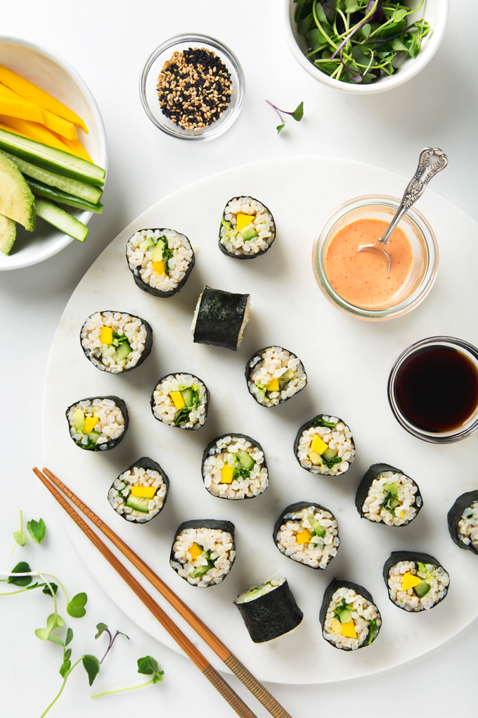 Spicy Mango & Avocado Brown Rice Sushi | picklesnhoney.com #vegan #sushi #recipe #brownrice #mango #avocado #lunch #dinner #cucumber