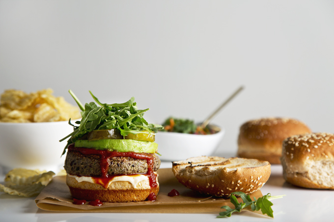 15-Minute Black Bean Burgers | picklesnhoney.com #vegan #blackbean #burgers #lunch #dinner #recipe