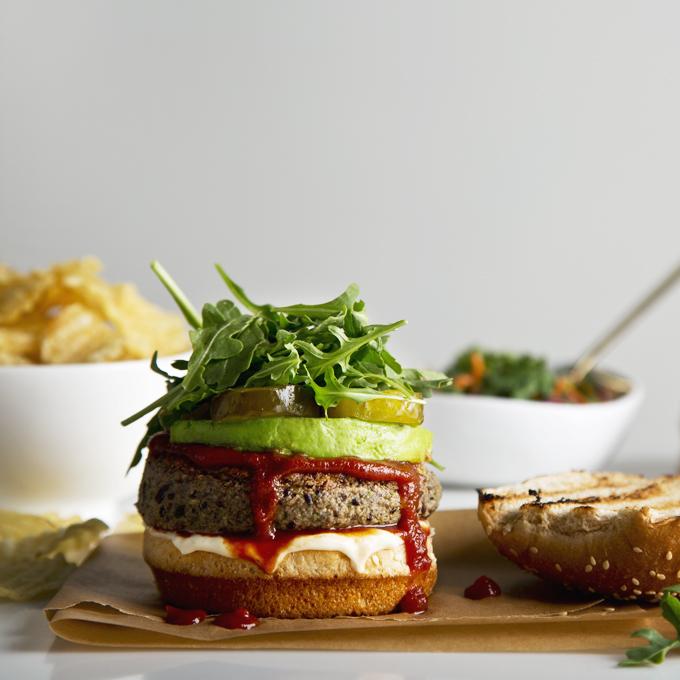 15-Minute Vegan Black Bean Burgers (Gluten-Free & High Protein!) | picklesnhoney.com #vegan #glutenfree #blackbean #burger #lunch #dinner #recipe