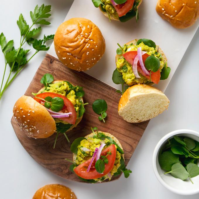 Avocado Chickpea Salad Sandwiches | picklesnhoney.com #vegan #avocado #chickpea #salad #sandwich #recipe