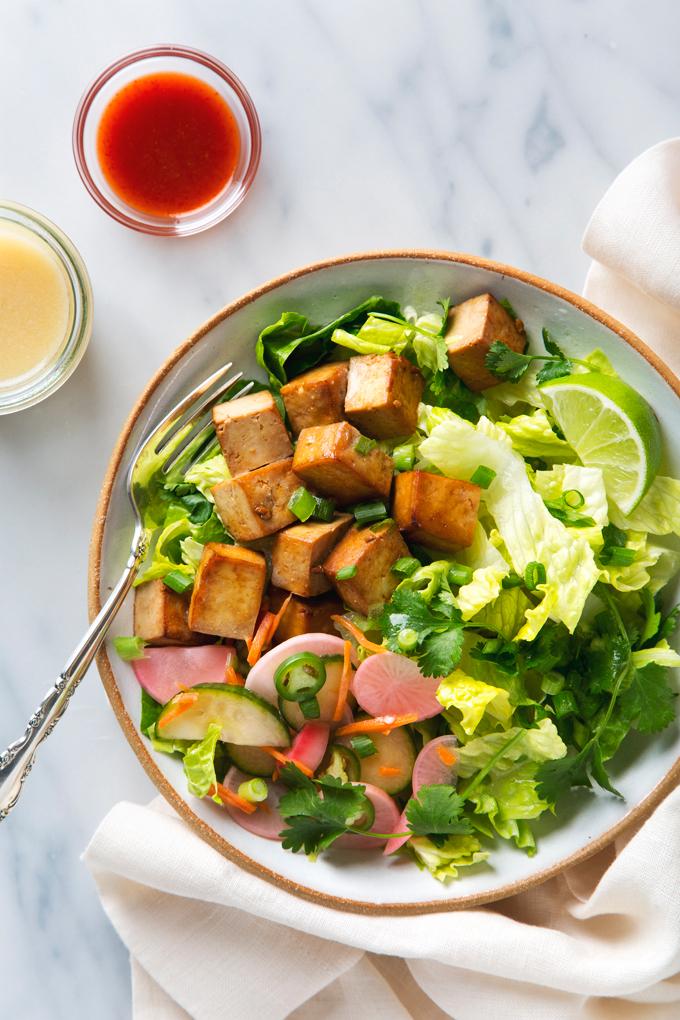 Tofu Banh Mi Salad with Quick Pickles | picklesnhoney.com #vegan #tofu #banhmi #salad #recipe #lunch #dinner