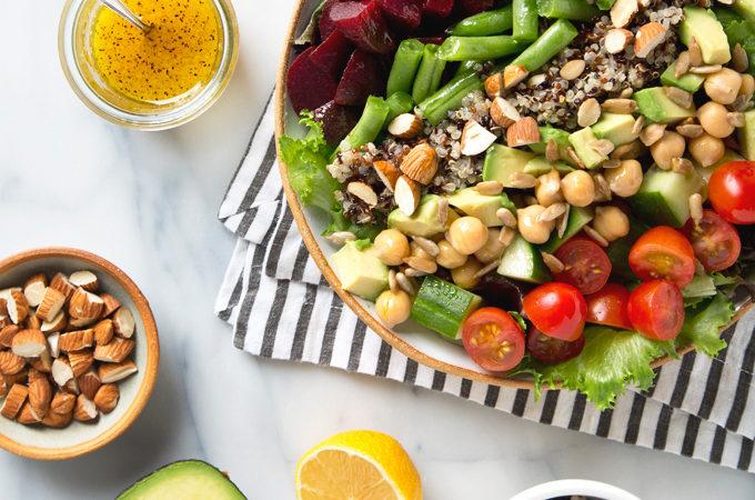15 Minute Vegan Cobb Salad | picklesnhoney.com #vegan #cobb #salad #recipe #lunch #dinner #glutenfree
