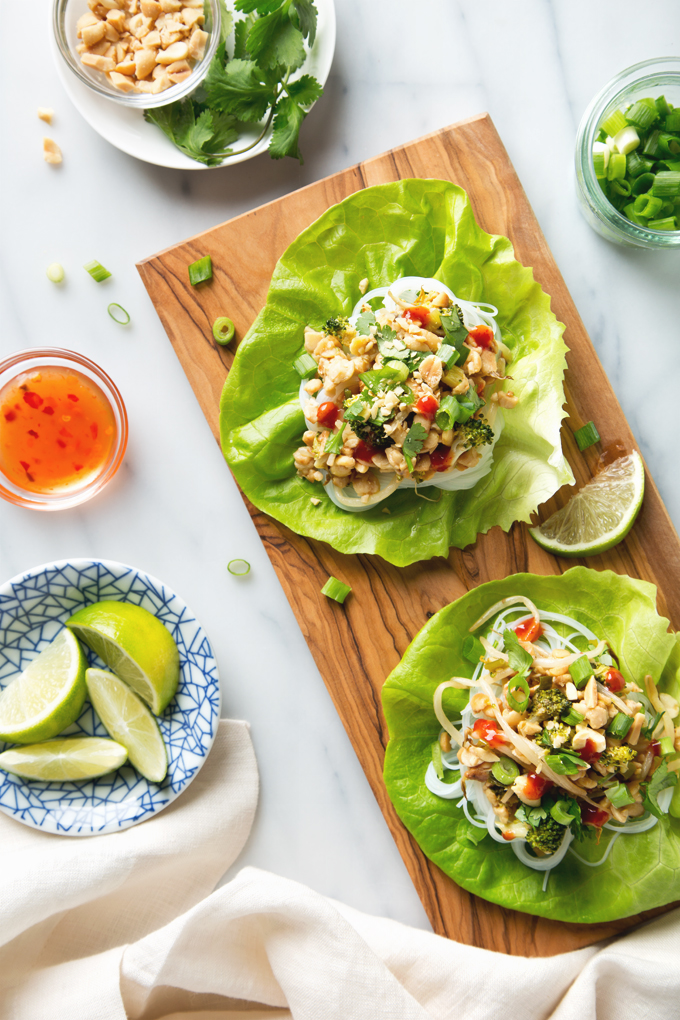 Vegetable Pad Thai Lettuce Wraps with Tempeh | picklesnhoney.com #vegan #padthai #lettuce #wrap #lunch #dinner #recipe