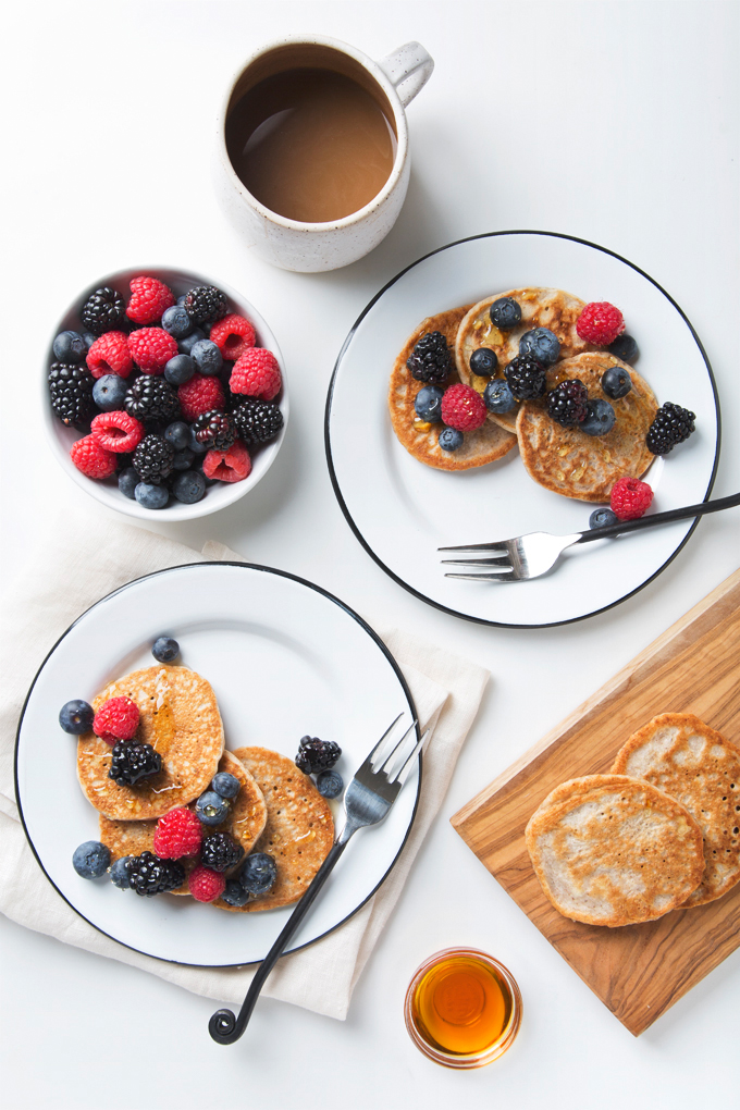 Fluffy Vegan Buttermilk Pancakes | picklesnhoney.com #vegan #buttermilk #pancakes #recipe #breakfast #brunch
