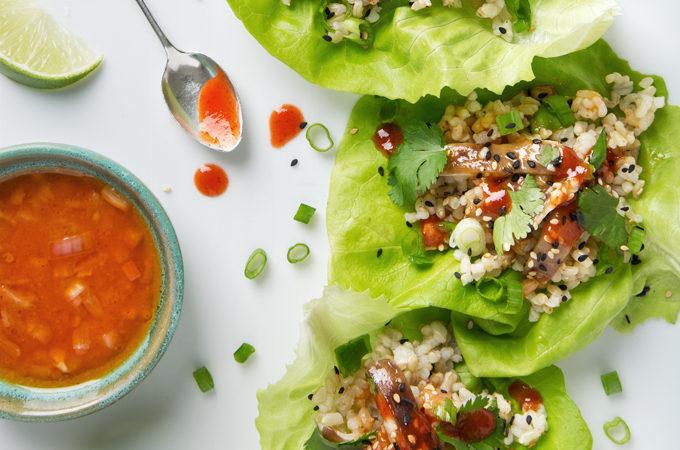 Vegan Korean Lettuce Wraps with Shiitake Mushrooms & Ssam Sauce | picklesnhoney.com #lettucewraps #korean #lunch #dinner #recipe #vegan #glutenfree