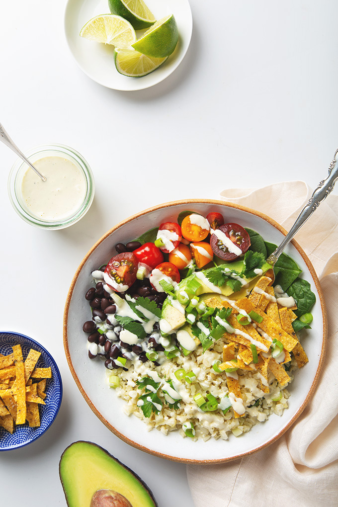30 Minute Cauliflower Rice Burrito Bowl | picklesnhoney.com #cauliflower #rice #burrito #bowl #recipe #vegan #glutenfree #lunch #dinner
