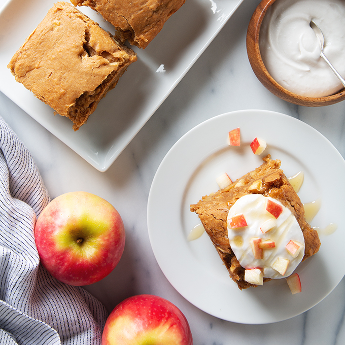 Vegan Apple Snack Cake | picklesnhoney.com #apple #snack #cake #recipe #fall
