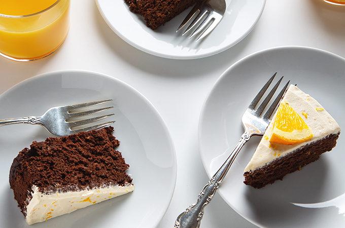 Vegan Orange Chocolate Cake with Fluffy Buttercream Frosting | picklesnhoney.com #vegan #chocolate #orange #cake #recipe #dessert