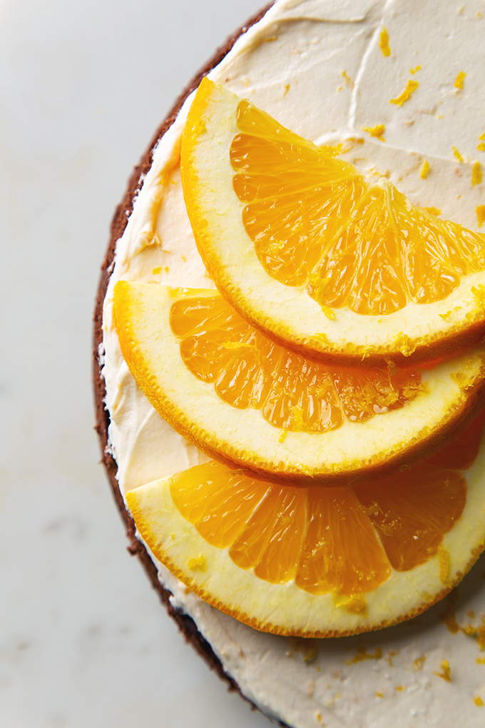 Vegan Orange Chocolate Cake with Fluffy Buttercream Frosting | picklesnhoney.com #vegan #chocolate #orange #cake #recipe #dessert