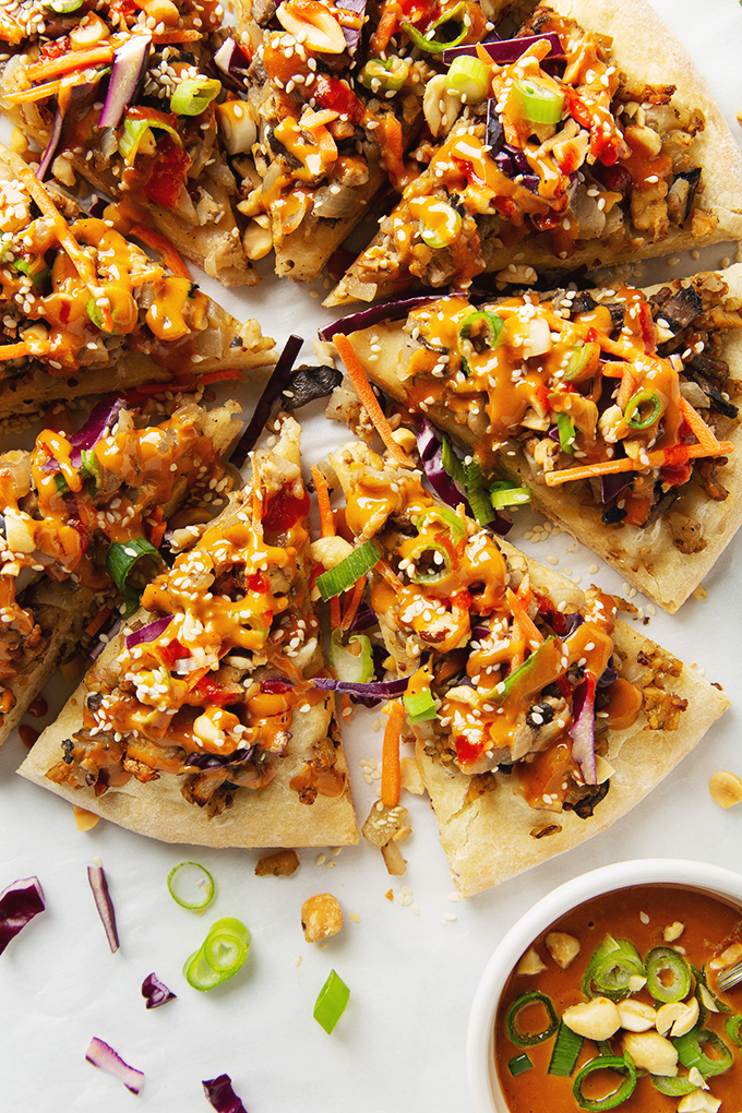 Tempeh Thai Pizza with Peanut Sauce | picklesnhoney.com #tempeh #thai #pizza #peanut #sauce #vegan #recipe #lunch #dinner
