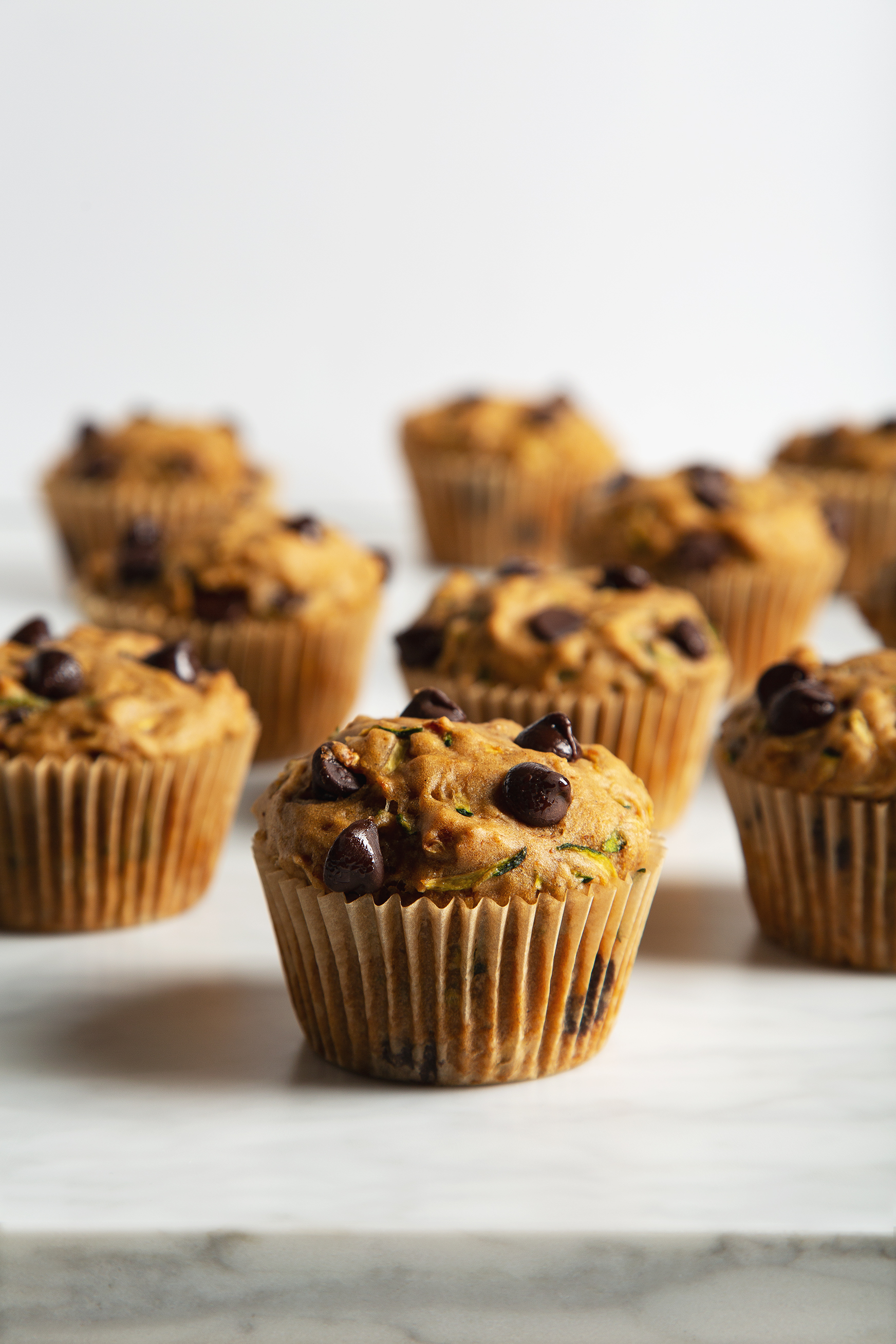 30-Minute Vegan Chocolate Chip Zucchini Muffins! | picklesnhoney.com #chocolatechip #zucchini #muffins #vegan #breakfast #snack #recipe #healthy