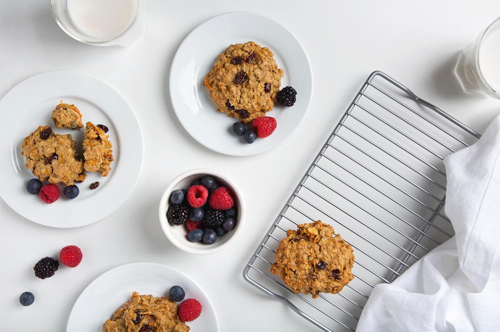 Carrot Cake Breakfast Cookies (Gluten-Free & Vegan) | picklesnhoney.com #breakfast #cookies #vegan #glutenfree